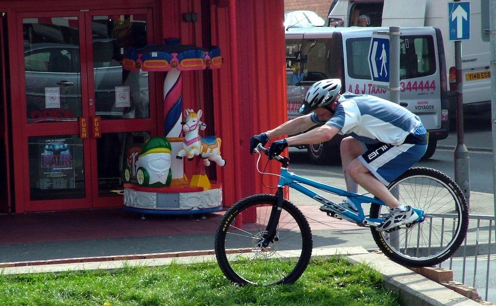 自転車急ブレーキ