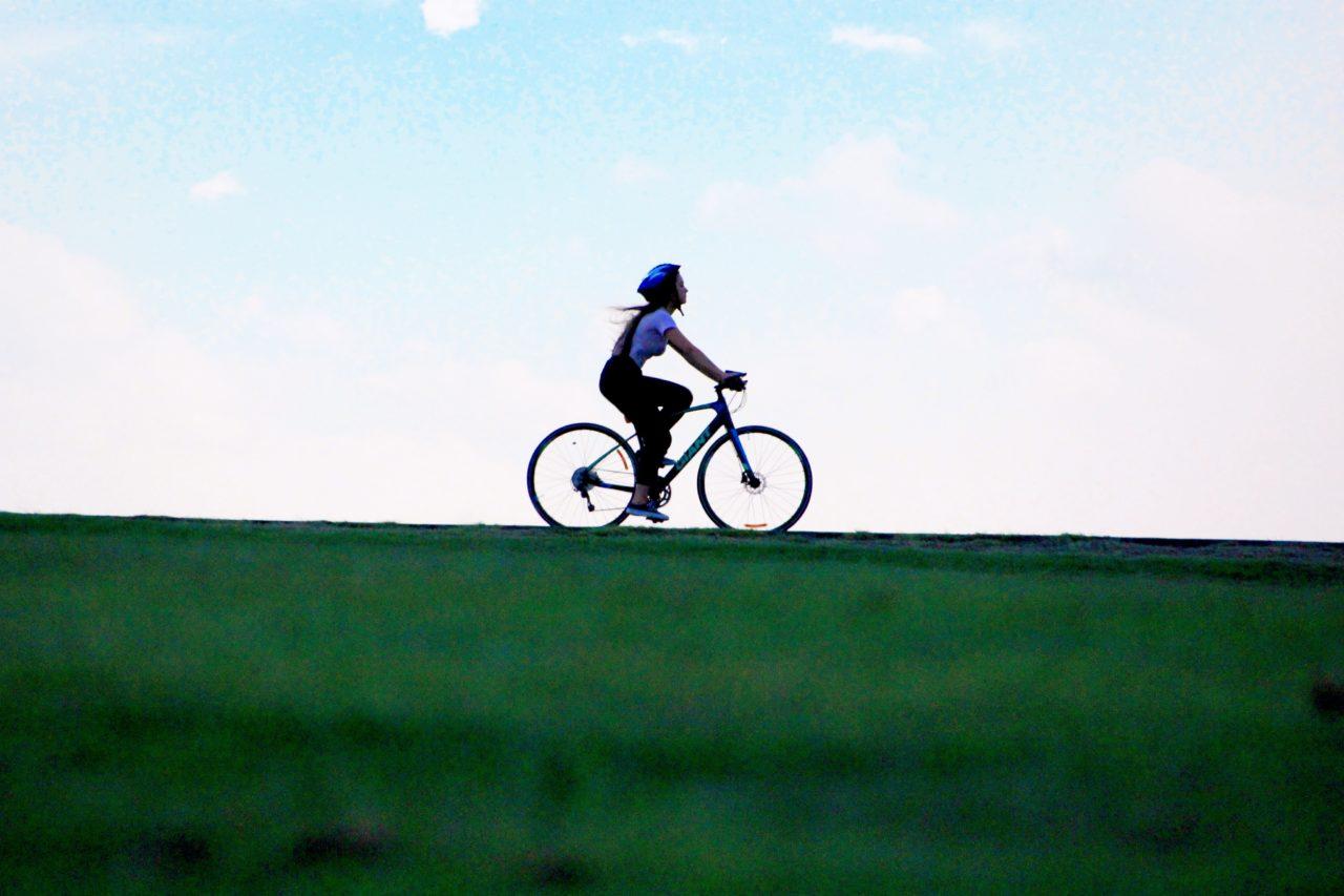 川沿いサイクリング