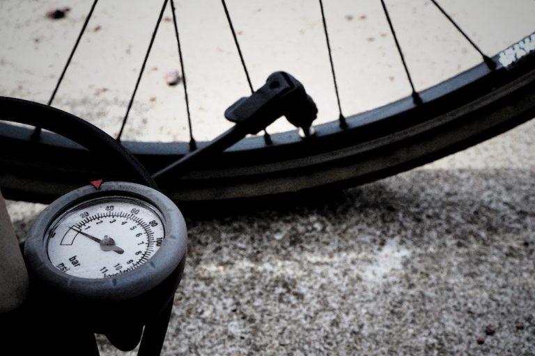 自転車空気入れ