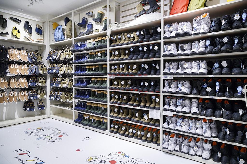 ワークマン女子 靴コーナー