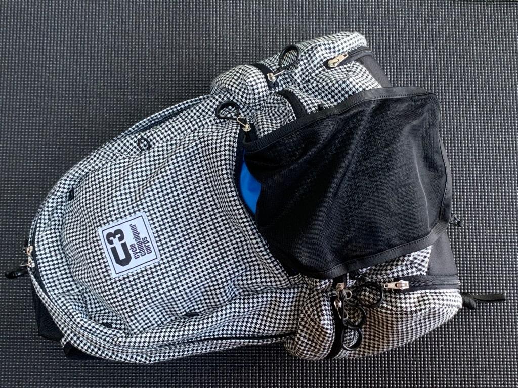 リュックのヘルメット固定機能