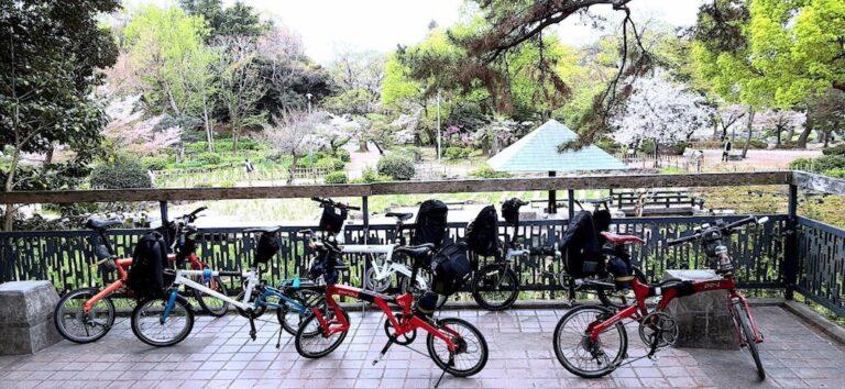 鶴舞公園、小径車6台の記念写真
