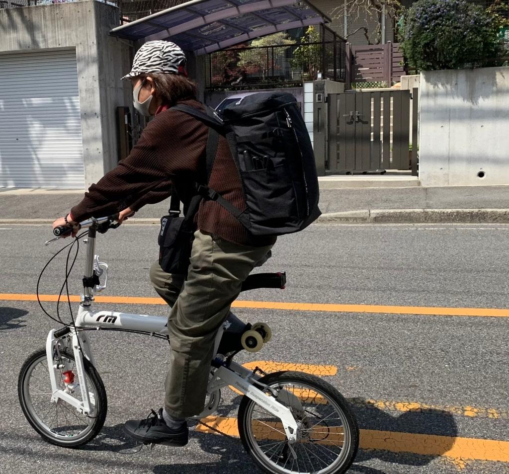 自転車に乗ります