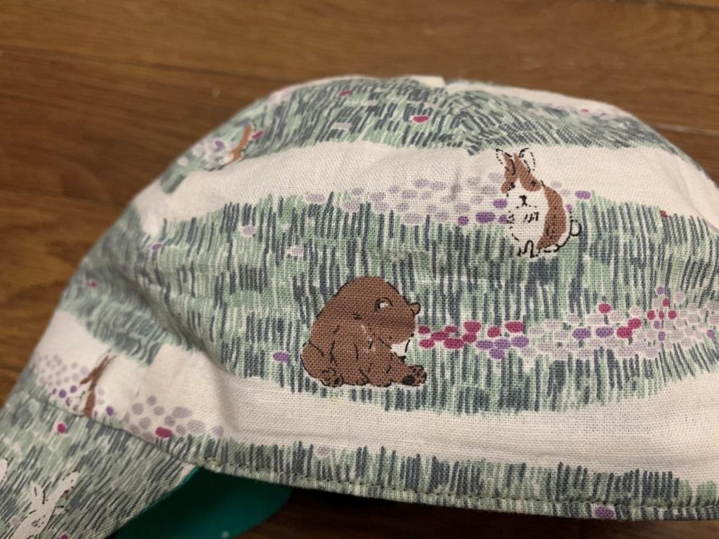キャップの動物 クマとウサギ